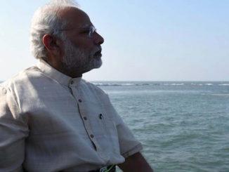 Mumbai: Prime Minister Narendra Modi performs Jal Pujan for the Chhatrapati Shivaji Maharaj Memorial in the Arabian Sea, 4 kms off Mumbai's Marine Drive, in Mumbai on Dec 24, 2016. (Photo: IANS)