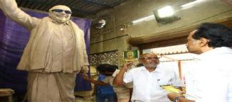 karunanidhi statue chennai